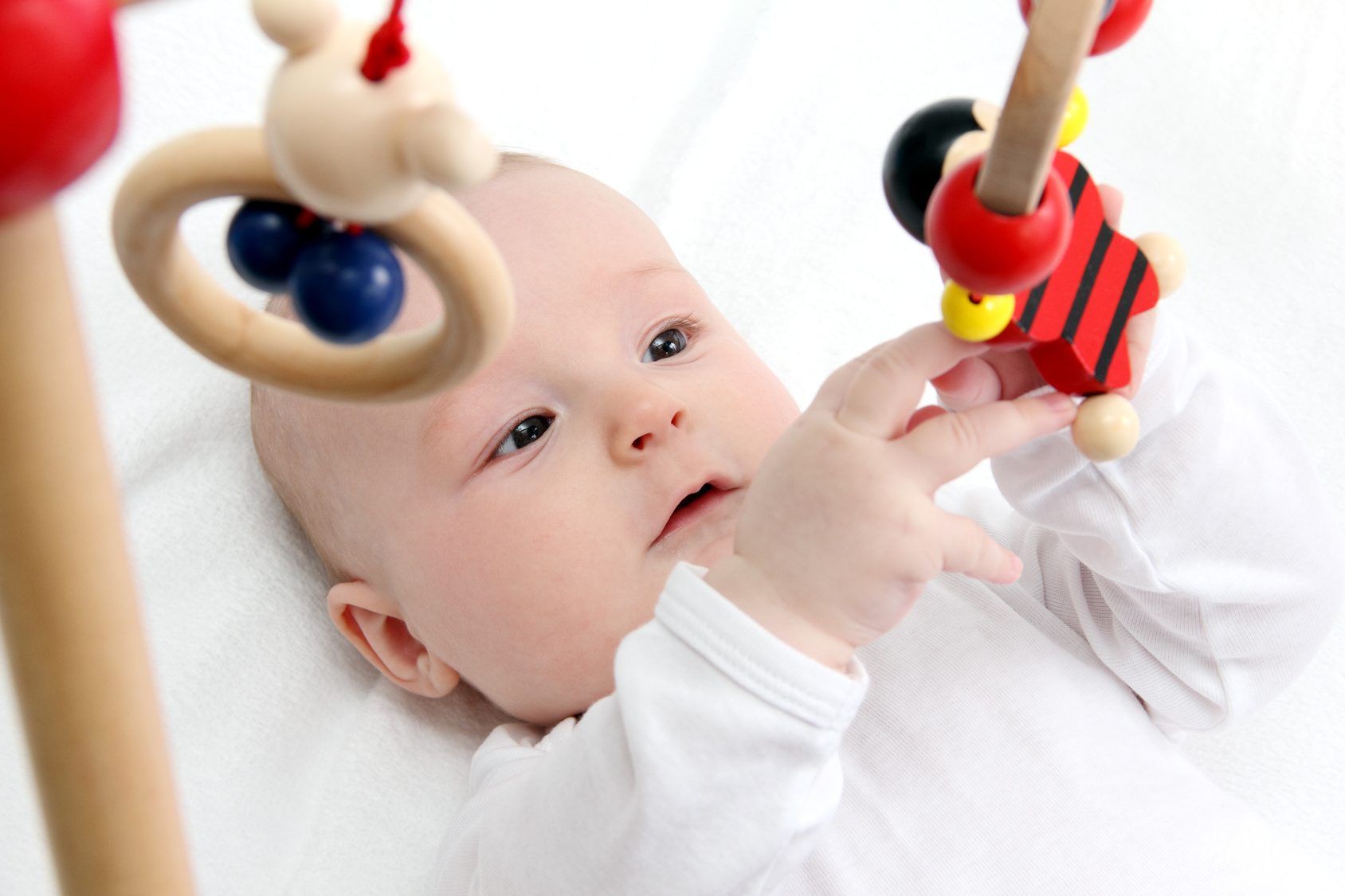 Crib Toys Learning : Moral development in babies intelligent nest